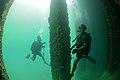Maritime improvised explosive device (IED) familiarization dive, RIMPAC 2014 140723-N-TM257-078.jpg