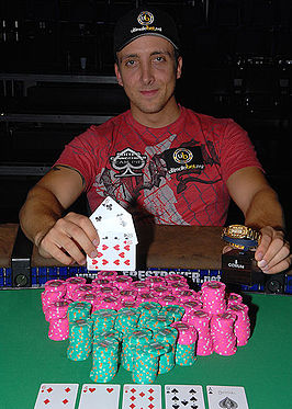 Matt Graham poker.jpg