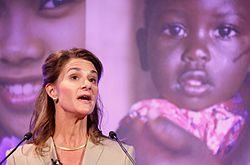 Melinda Gates, speaking at the London Summit on Family Planning.jpg