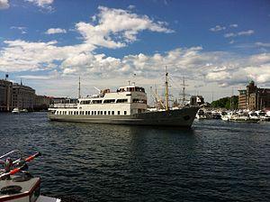 Midthordland in Bergen harbour.jpg