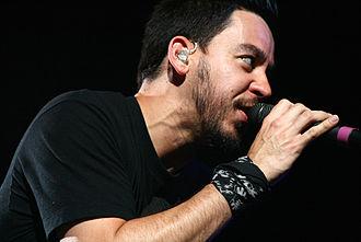 Mike Shinoda - Shinoda performing live, 2008