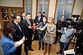 Ministru prezidents Valdis Dombrovskis tiekas ar Polijas ārlietu ministru Radoslavu Sikorski (8470199305).jpg