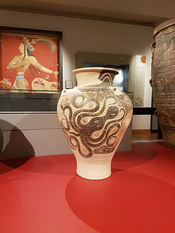Marine ware pithos with octopus