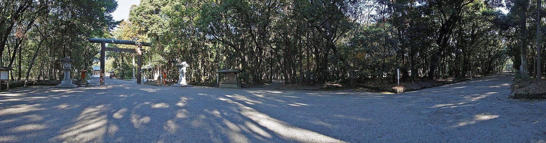 Miyazaki Jingu(shrine) , 宮崎神宮 - panoramio (4).jpg