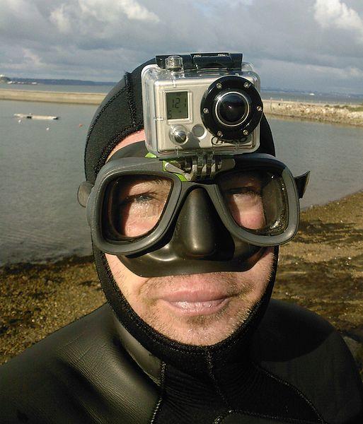 File:Montage d'une Gopro HD sur un masque de chasse sous-marine.jpg