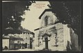 Montvendre - La porte moyen age et l'Eglise (34184151950).jpg