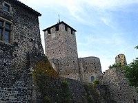 Montverdun, l'église et les remparts.JPG
