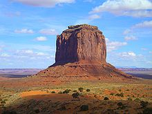 http://upload.wikimedia.org/wikipedia/commons/thumb/3/39/Monument_Valley_Merrick_Butte.jpg/220px-Monument_Valley_Merrick_Butte.jpg