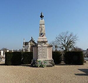 Monuments aux Morts - Monuments aux Morts in La Chapelle-de-Guinchay, Saône-et-Loire.