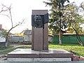 Monument to Anton Makarenko, Kremenchuk (2018-11-03) 02.jpg