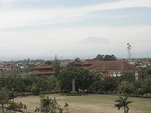 Mountain over denpasar.jpg