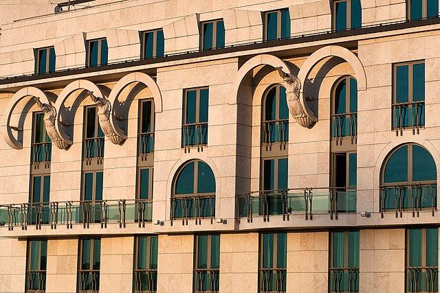 File:Natinal Theatre Danube wall jpg - Wikimedia Commons