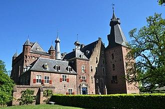 Doorwerth Castle - Image: Netherlands, Renkum, Castle Doorwerth (4)