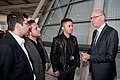 Norbert Lammert mit aserbaidschanischen Stipendiaten.jpg