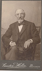 Olof Emanuel Näslund (1829-1906) in an image taken in 1905 in Ragunda, Sweden by Gusten Helin (1200 dpi, 95 quality).jpg