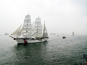 Operation Sail - Image: Opsail 2000 parade