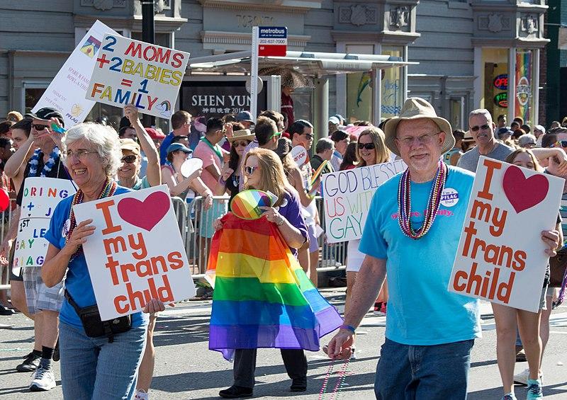 File:PFLAG of the Lower Shenandoah 07 - DC Capital Pride - 2014-06-07.jpg