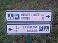 Panneau Mauves Nantes La Varenne Ancenis - Loire (France).jpg