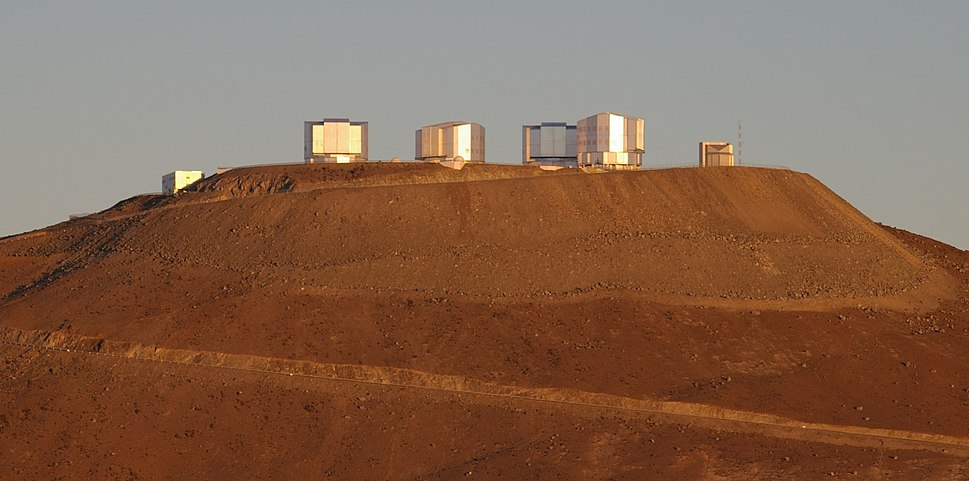 Cerro Paranal (main-peak) with the VLT and VST