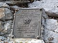 Partizanska plošča pod Srenjskim prevalom.jpg