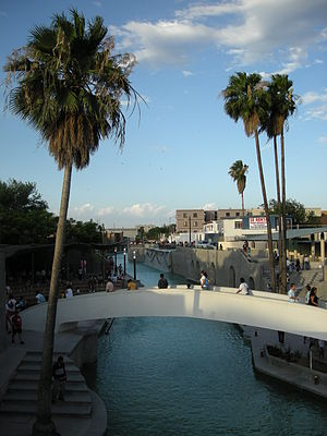 Santa Lucía riverwalk - A walking bridge across the River Walk
