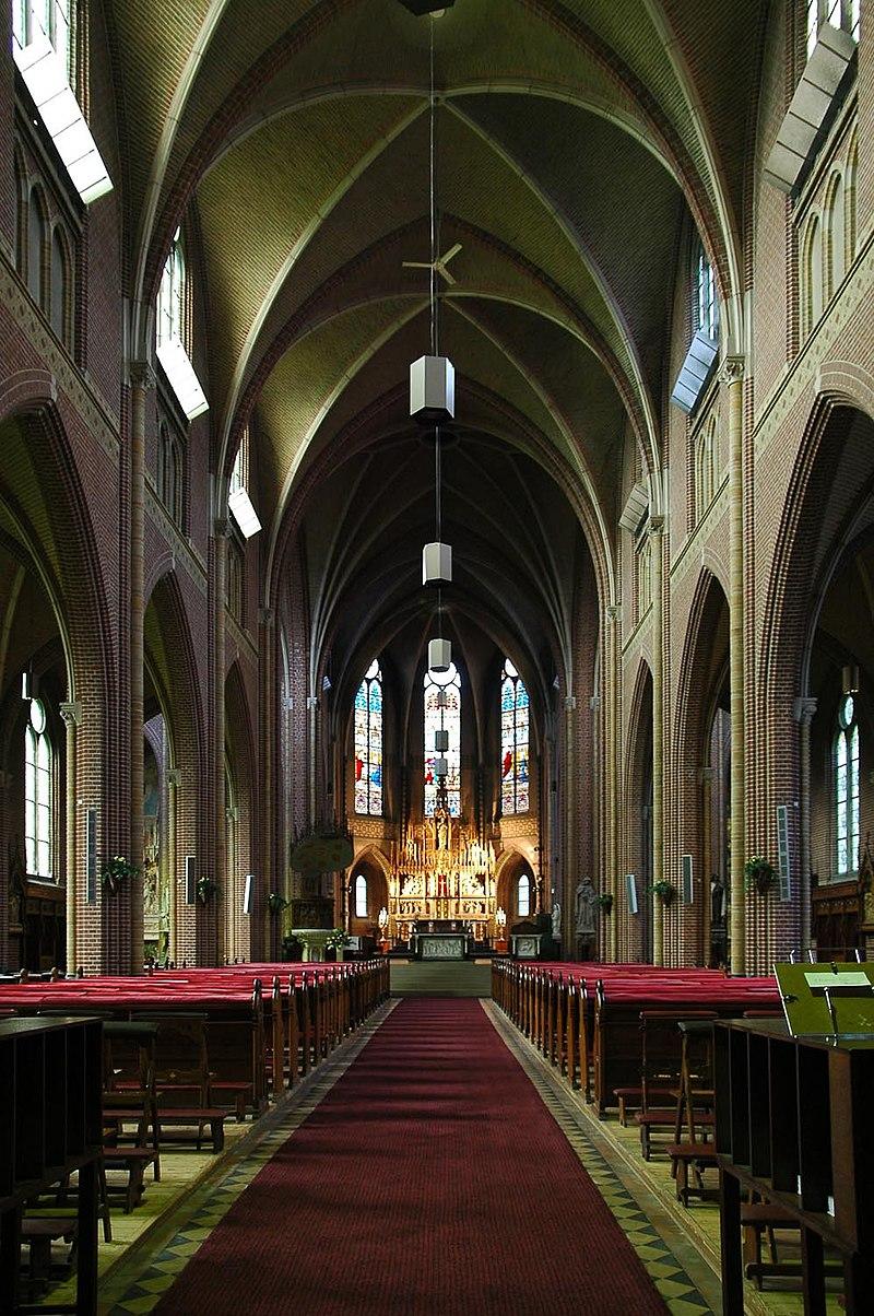 Heilig hart of paterskerk in eindhoven monument for Interieur eindhoven