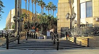 Patsaouras Transit Plaza - Vignes Street entrance to transit plaza