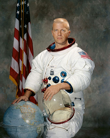 Astronaut Paul J. Weitz, NASA photo S71-51307 (21 September 1971)Source: Wikipedia (www.jsc.nasa.gov unavailable July 2019) 384px-Paul_Weitz.jpg