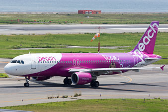Peach Aviation, A320-200, JA806P (18799901283).jpg