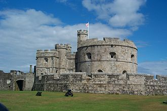 Device Forts - 16th-century keep and gun platform at Pendennis Castle
