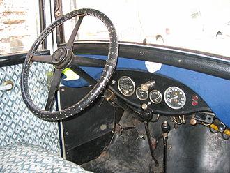 Peugeot 201 - Interior