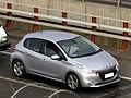 Peugeot 208 1.6 VTi Allure 2013 (15561180252).jpg