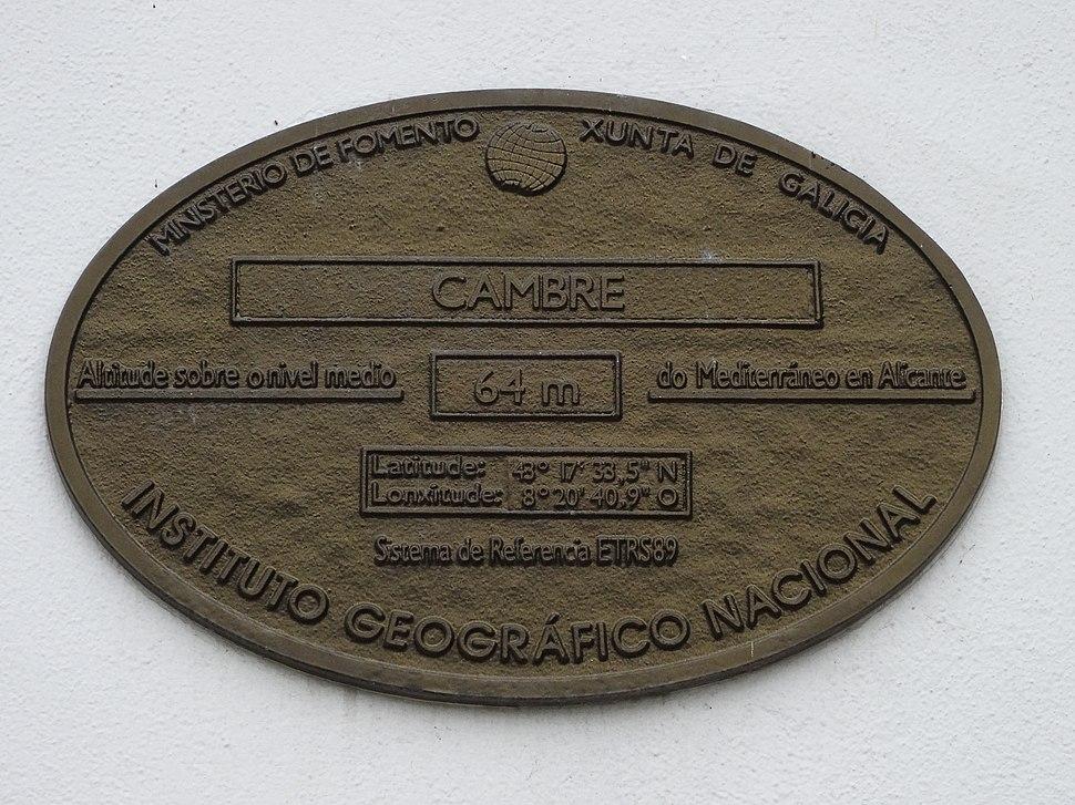 Placa altimétrica concello Cambre