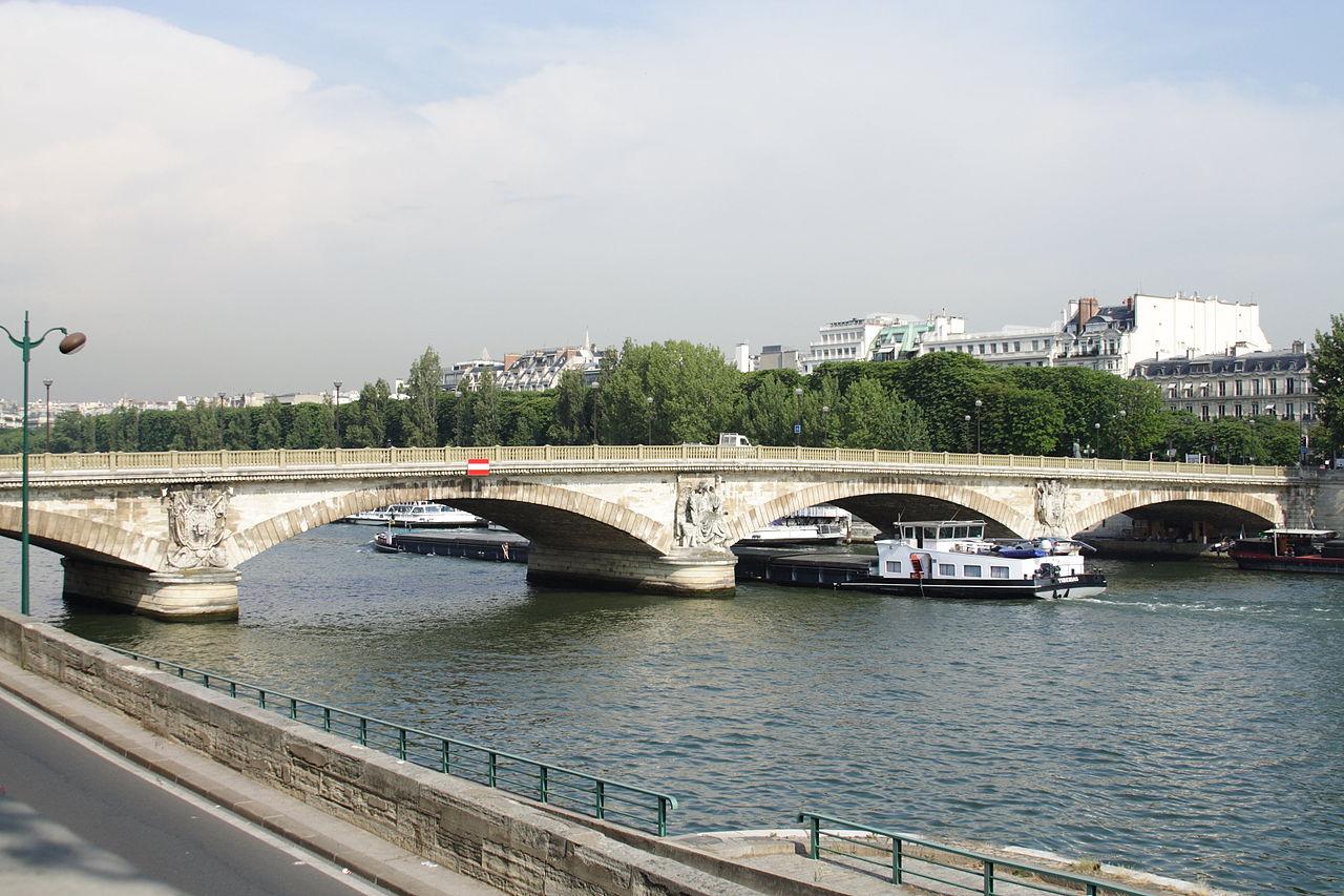 Pont des Invalides Paris FRA 002.JPG