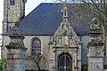 Porche église Saint-Ténénan Plabennec 01.jpg
