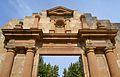 Portada reconstruïda de l'església de Sant Pere de Benissa, Marina Alta.JPG