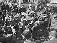 Il presidente Franklin Delano Roosevelt e il primo ministro Winston Churchill durante la conferenza di Casablanca