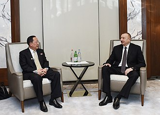 Ri Yong-ho (diplomat) - Ri with President Ilham Aliyev of Azerbaijan in 2018