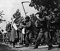 Przybyli do wsi żołnierze (1939).jpg
