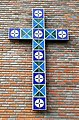Rødtvet kirke - cross on wall.jpg