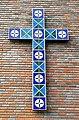 Rødtvet kirke - cross on wall.jpg