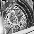 Raamtracering in koor (voor restauratie ) - 's-Gravenhage - 20085306 - RCE.jpg