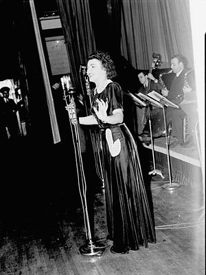 Alys Robi - Robi performing for CKAC in 1943