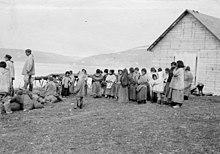 I servitori delle poste di Révillon Frères a Kangiqsujuaq nel 1909.