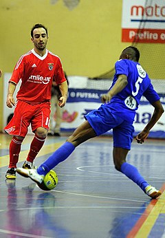 how to play futsal for beginners
