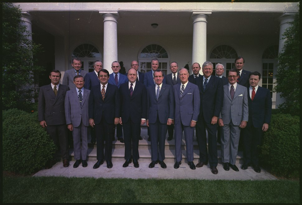 Richard M. Nixon posing with his Cabinet - NARA - 194437