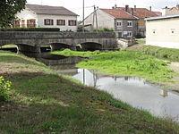 Rigny-la-Salle (Meuse) Aroffe (Ruisseau de la Beaumelle) (03) le pont.JPG
