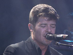 English: Robin Thicke live