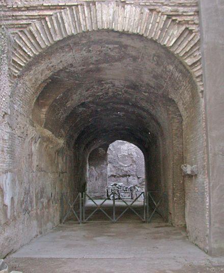 Il criptoportico dell'imperatore Nerone al Palatino (Roma).