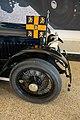 Royal flag on limousine (26552162818).jpg